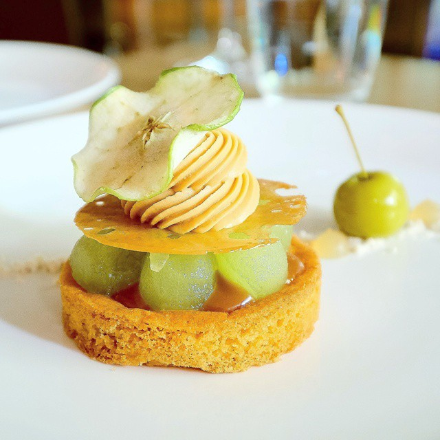 Steel bar and Grill // Sablé Breton Tart