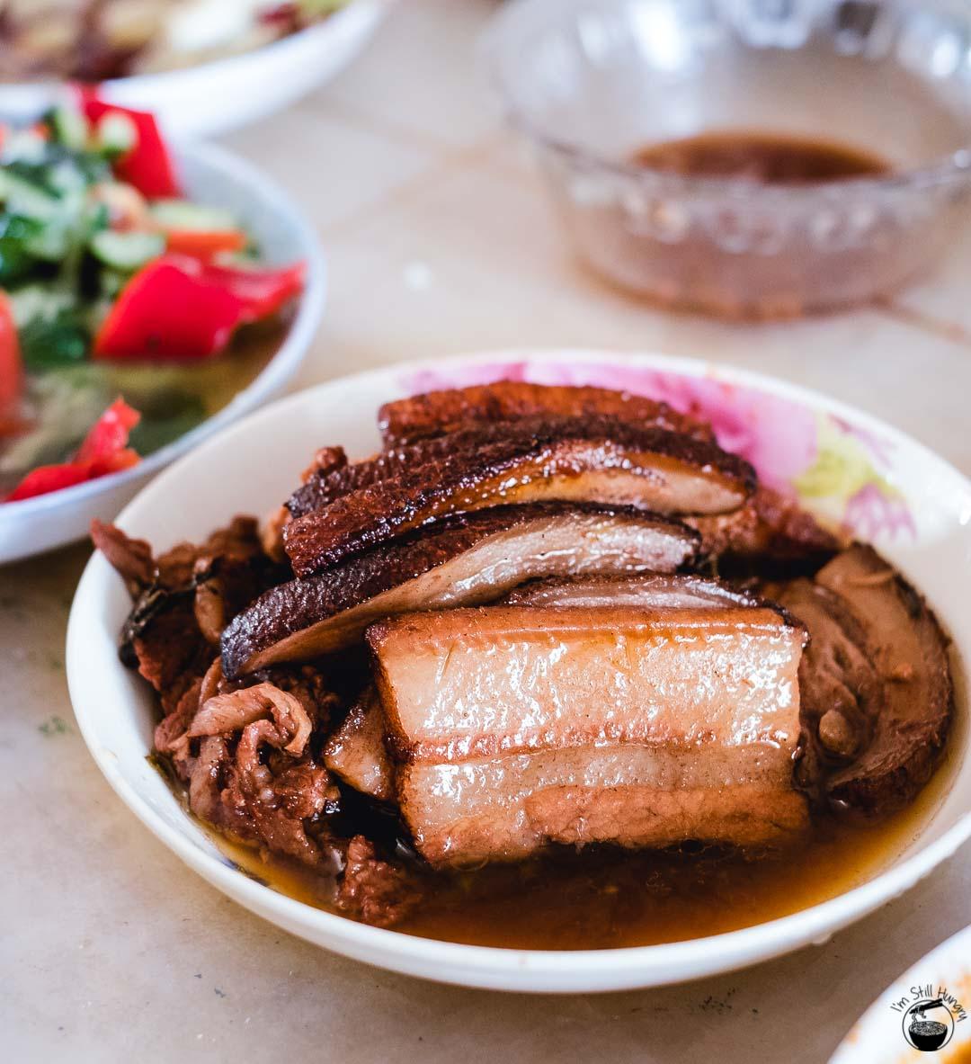 梅菜扣肉 (mei cai kou rou) Hui Min Jie Xi'an Muslim Street Food