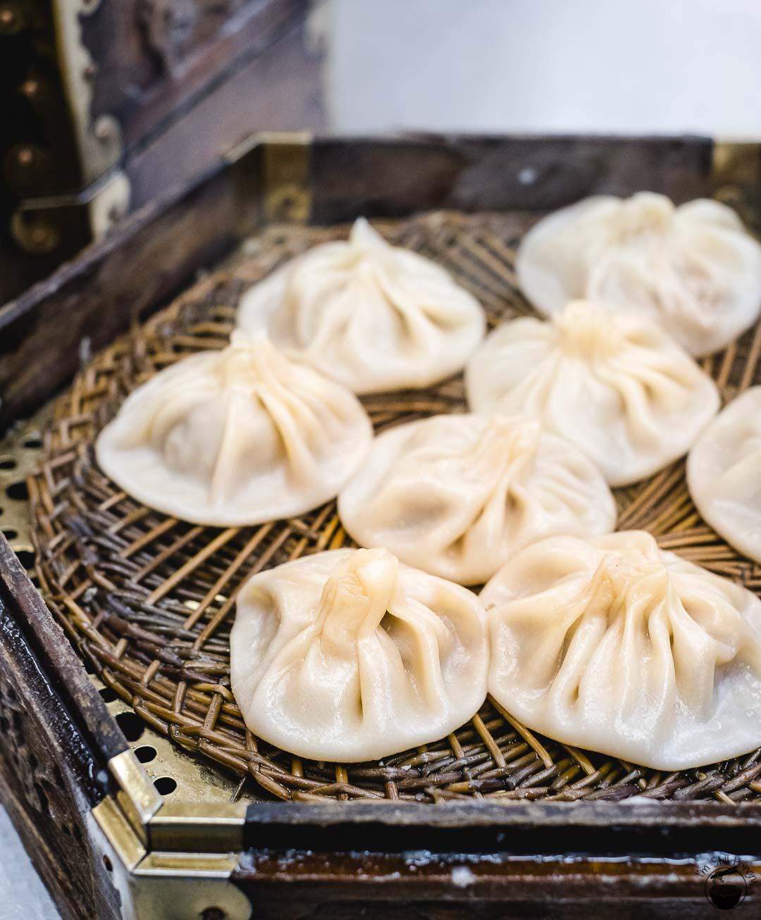 灌汤包 (guan tang bao) Hui Min Jie Xi'an Muslim Street Food