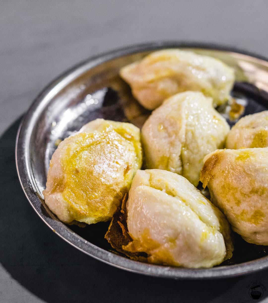 水煎包 (shui jian bao) Hui Min Jie Xi'an Muslim Street Food