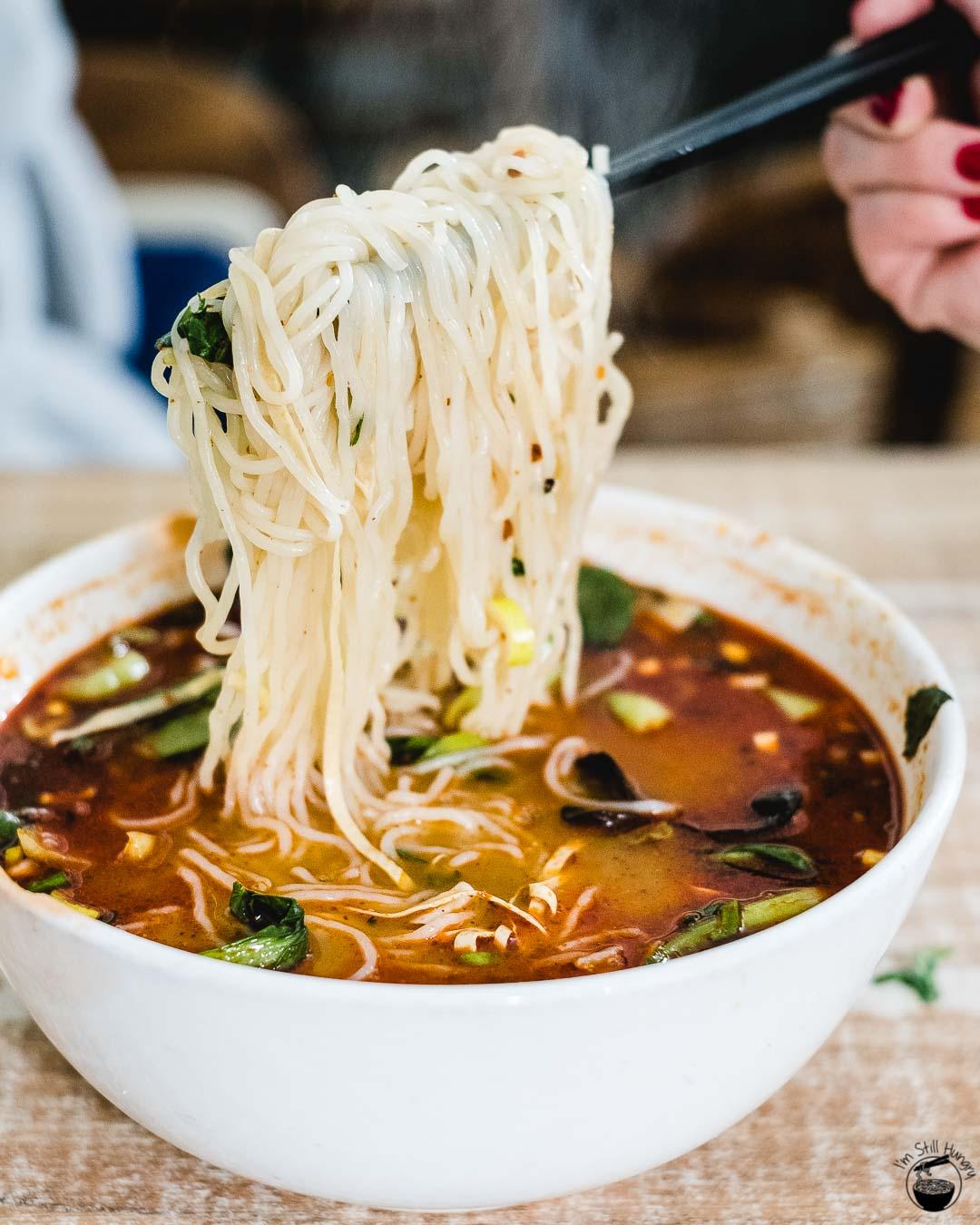 过桥米线 (guo qiao mi xian) Hui Min Jie Xi'an Muslim Street Food